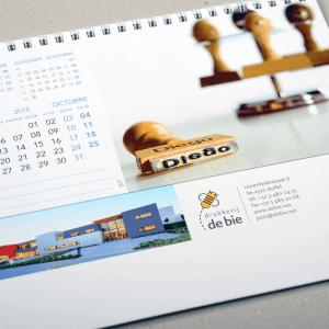 One-2-One, Kalenders, kalender, calendar, calendrier, staankalenders, deskkalender, driemaandkalender, 3maandkalender, viermaandkalender, 4maandkalender, stockmans, stockmanskalenders, kalenderlaboratorium, kalenderspecialist, btbkalenders, fotokalenders, kunstkalender, tailormade, tailormadecalendars, kalenderdesign, kalenderontwerp, luxekalender, calendardesign, brunodevos, nickylurquin, one-2-one, one2one, naampersonalisatie