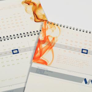 366 dagen, Kalenders, kalender, calendar, calendrier, staankalenders, deskkalender, driemaandkalender, 3maandkalender, viermaandkalender, 4maandkalender, stockmans, stockmanskalenders, kalenderlaboratorium, kalenderspecialist, btbkalenders, fotokalenders, kunstkalender, tailormade, tailormadecalendars, kalenderdesign, kalenderontwerp, luxekalender, calendardesign, brunodevos, nickylurquin, 366dagen, 365dagen, 366days, 365days, bureau, desk, bureaukalender, deskklaneder